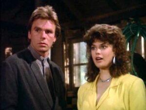 Richard Dean Anderson et Teri Hatcher dans MacGyver