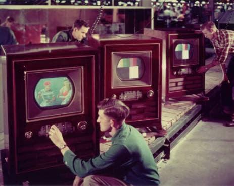 Premières télé couleurs aux USA