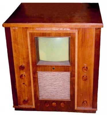 Première télé commerciale distribuée par Telefunken