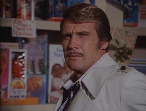 Steve Austin de L'homme qui valait 3 milliards avec une moustache