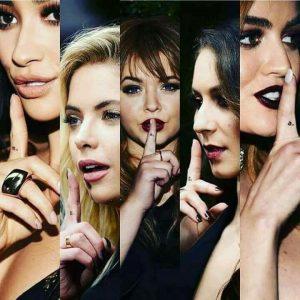 Le casting de Pretty little liars avec chaque fille qui a l'initiale de son prénom tatoué sur le doigt