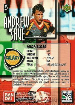 L'acteur de Melrose Place Andrew Shue sur une carte à collectionner pour son poste de footballeur dans une équipe californienne